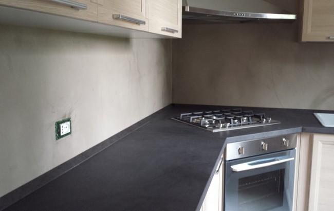 Decor staff progettazione e realizzazione progetti decorativi in resina cucina - Parete cucina resina ...